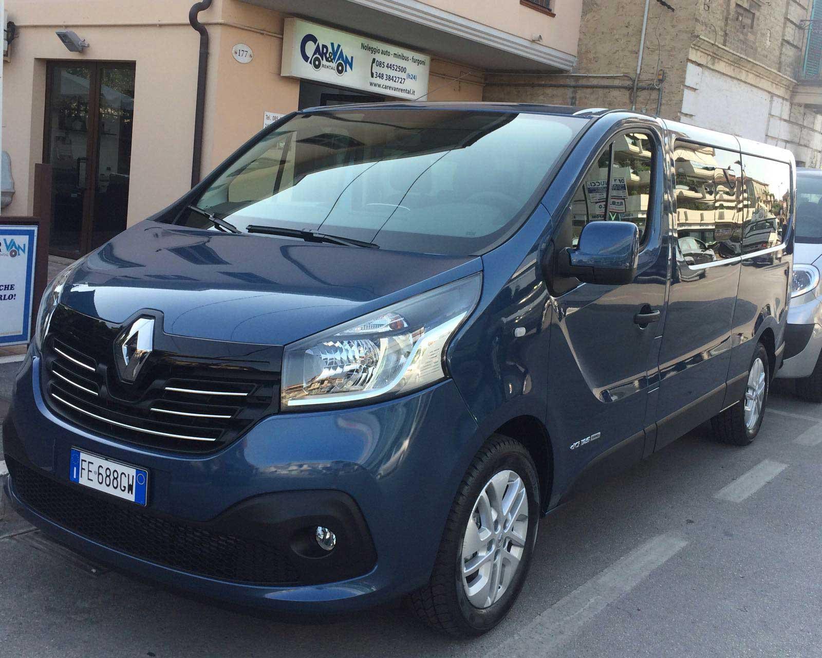 Nuovo Renault Trafic 9 Posti Passo Lungo- 2016