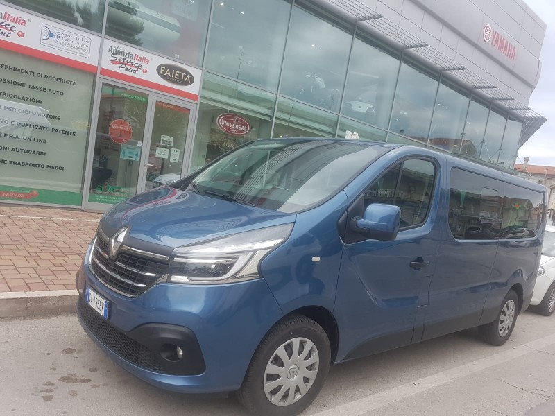 Renault Trafic 9 Posti Passo Lungo